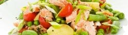 Hot-smoked salmon salad with a chilli lemon dressing
