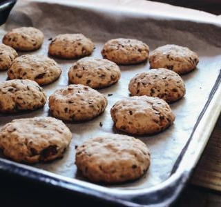 Biscuits with flaxseed and cinnamon