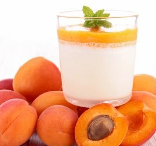 Buttermilk Pannacotta with Lemon-roasted Apricots