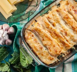 Cannelloni stuffed with ricotta and zucchini