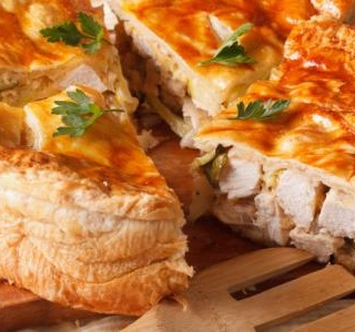 Chicken and mushroom puff pie