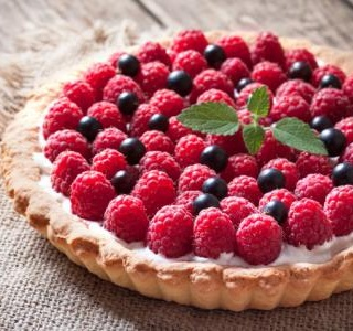 Pretty raspberry tart