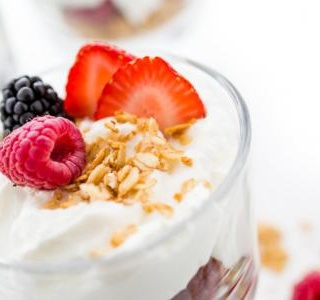 Red Berry Granola Yogurt Pots