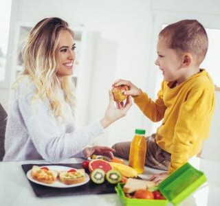 Keep the child hunger under control with our tips for a healthy snack…
