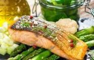One-pan salmon with roast asparagus