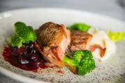Pork tenderloin with cherries and port wine sauce
